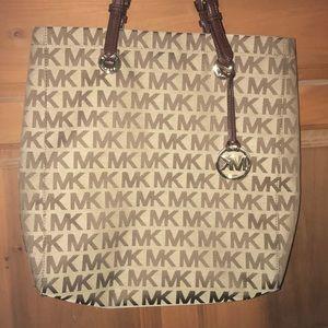 Michaels Kor purse